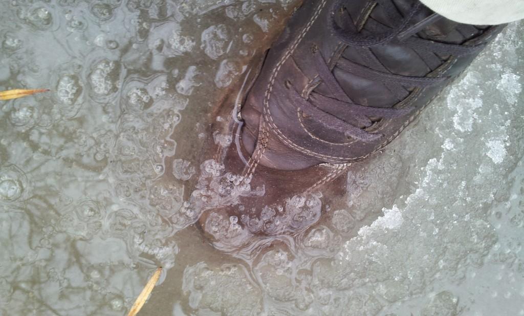 Обувь из гортекса. Проверка на водонепроницаемость
