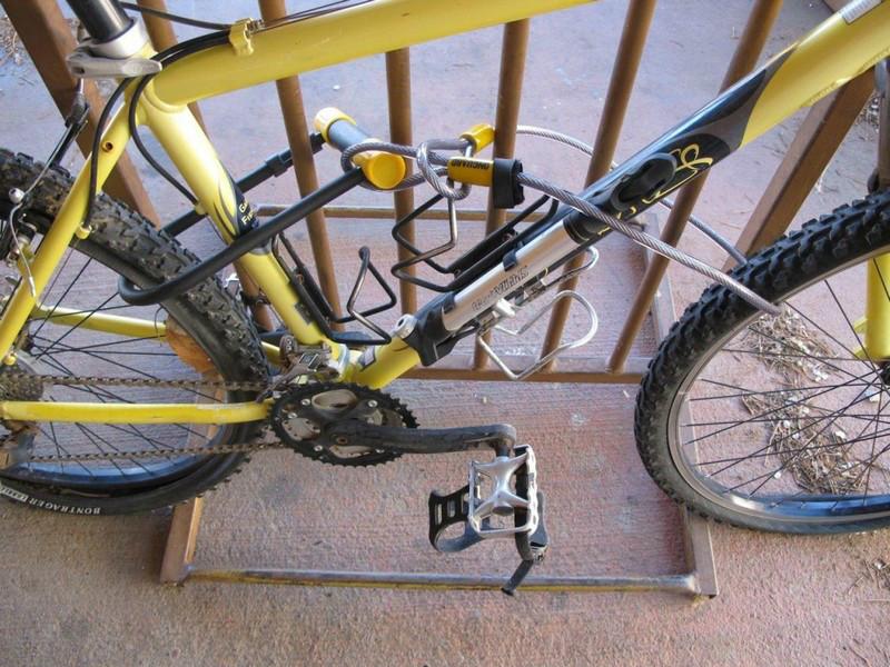 Отдельный тросик для переднего колеса