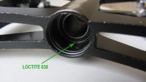 Локтайт между подшипником и корпусом педали