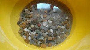 Галька и песок для чистки цепи велосипеда
