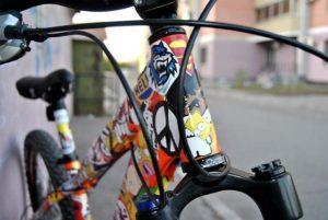 Наклейки сделают ваш велосипед уникальным и защитят от кражи