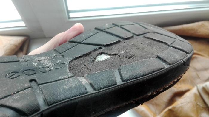 Снятый протектор (ботинки Экко)