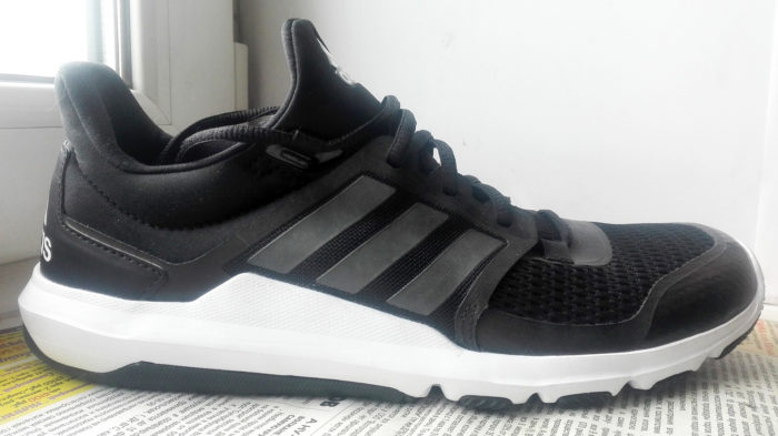 Темные полоски Adidas